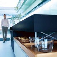 _MODO_black_mineral white_cabinets_trays