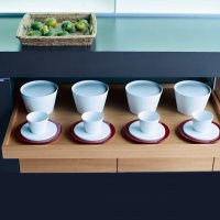 _MODO_black_mineral white_cabinets_trays_2