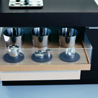 _MODO_black_mineral white_cabinets_trays_glass