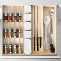 Poggenpohl Accessories - Drawer with spice shaker bank, spice jar bank and knife block - maple